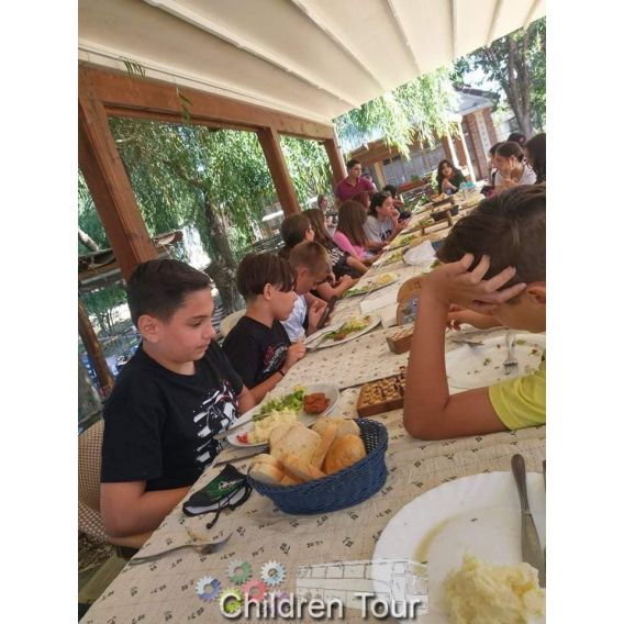Skouras Sports & Languages Camp in Greece