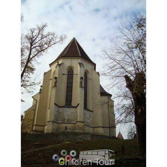 Turul Cetatilor si a Bisericilor Fortificate Transilvane